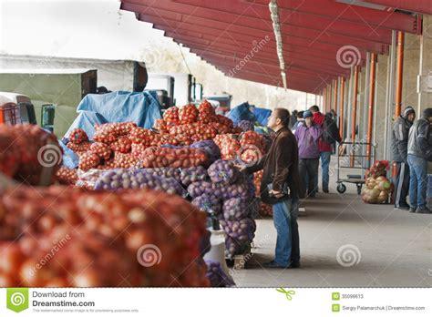 wholesale food wholesale food market stolichniy in kiev ukraine editorial stock photo image 35098613