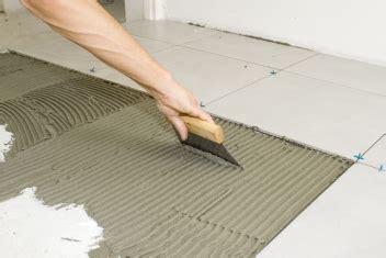 fliesen legen materialbedarf unerh 246 rt berufe a z platten und fliesenleger in