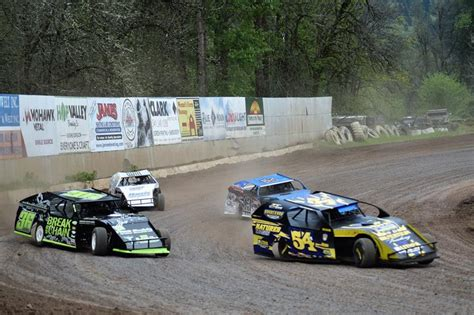 cottage grove raceway header at cg speedway free fast friday 10 fan