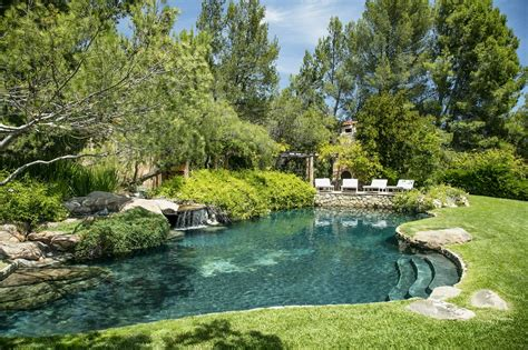 jeff bridges asks 29 5m for montecito estate