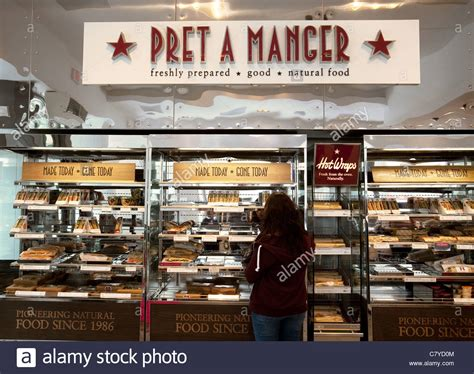 Pret Reporteur An American Fashionista Living In The Secret Of St Germain Second City Style Fashion by Customers In Pret A Manger Cafe Restaurant Washington Dc