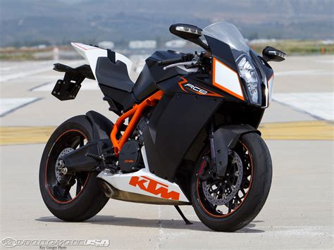 Ktm Rc8r Track 2010 Ktm Rc8r Track Smackdown Photos Motorcycle Usa