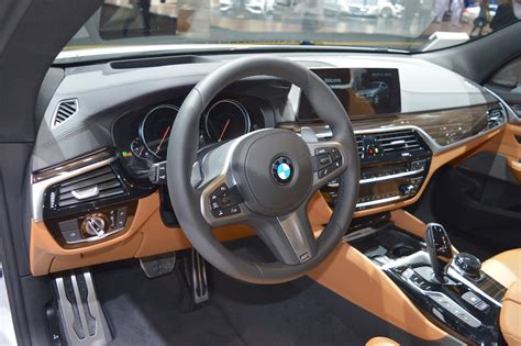 bmw dashboard at bmw 6 series gt dashboard at 2017 dubai motor