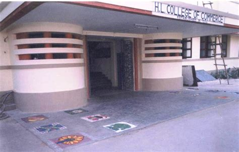 Hl College Mba by Top Commerce Colleges In Gujarat With Courses Offered