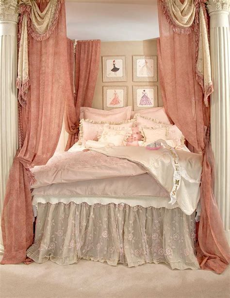 love this shabby chic bed use my pillars and put up
