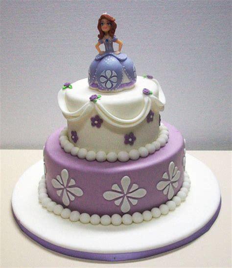 decoracion del bizcocho de sofia de first m 225 s de 25 ideas incre 237 bles sobre torta princesa sofia en