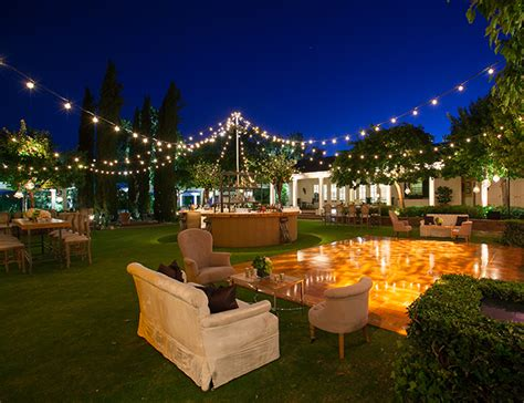 Backyard Wedding Floor by Best 25 Outdoor Floors Ideas On Outdoor
