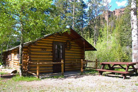 Rental Cabins Near Yellowstone by Cabin 2 Cabins Near Yellowstone Absaroka Mtn Lodge