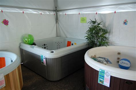 Bathtubs For Sale Home Depot by Rec Depot Of Marquette Truckload Tub Sale Broadcast