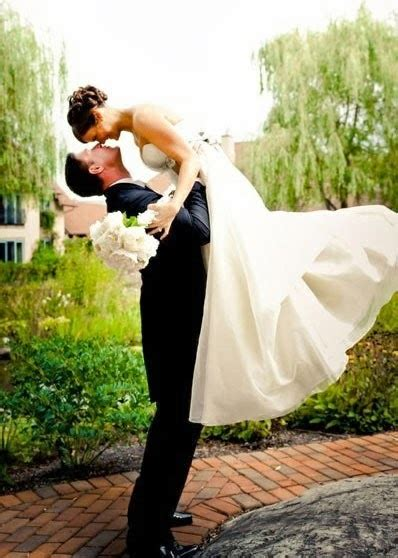 link c and groom photography ideas and poses