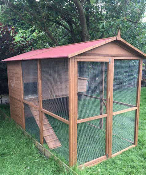 large run the lincoln manor large chicken coop with walk in covered run