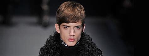 peinados con pelo corto hombre cortes de pelo con flequillo para hombre