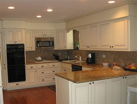 Kitchen Cabinet Soffit | use crown molding and cabinet trim to make soffit look