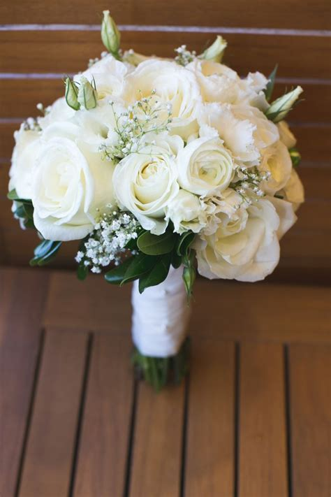 25  best ideas about White Wedding Bouquets on Pinterest