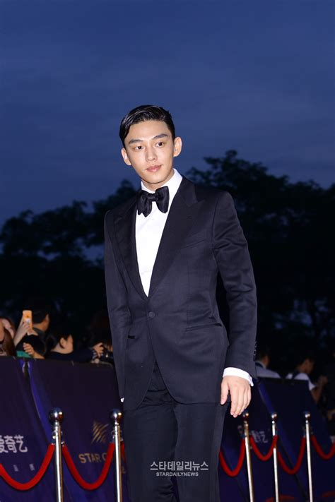 yoo ah in red carpet actors and entertainers shine on the red carpet at the