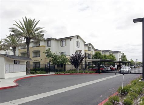 Elk Grove Available Apartments The Crossings At Elk Grove Rentals Elk Grove Ca