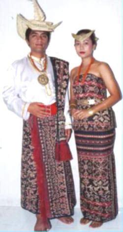 Baju Bodo Pakaian Adat Dari Daerah pakaian adat indonesia khetong s