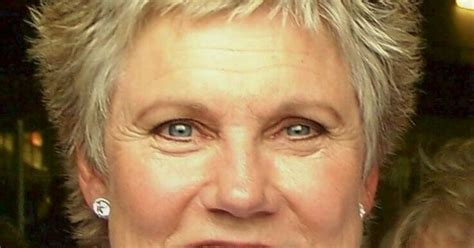 show some of anne murray haircuts anne murray the art of aging well pinterest haircuts