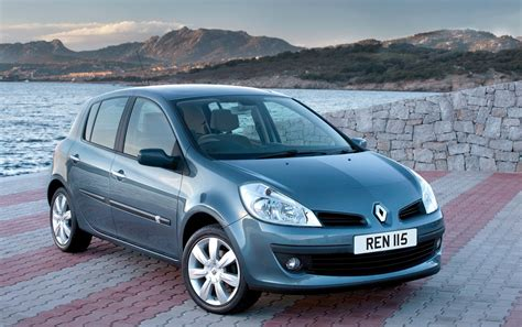 clio renault 2005 renault clio hatchback 2005 2012 features equipment