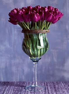 Putting Tulips In A Vase by 1000 Ideas About Tulip Centerpieces Wedding On