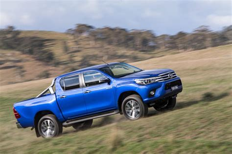 Toyota Hilux 2016 2016 Toyota Hilux Debuts With New 177hp Diesel 33 Photos