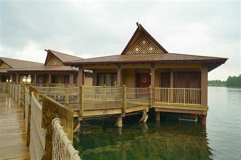 disney bungalows tour inside a disney s polynesian resort bora bora