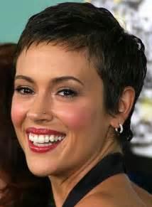 coiffure coupe courte femme rond catalogue coiffure