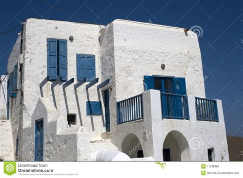 blue and white house white and blue house stock photo image 11048680