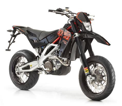 A2 Motorrad Neu Kaufen by Gebrauchte Und Neue Aprilia Sxv 550 Supermoto Motorr 228 Der