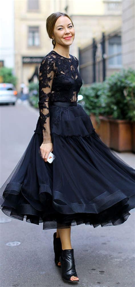 Trend Black Lace Goes Chic by Ulyana Sergeenko In Black Lace Silhouette
