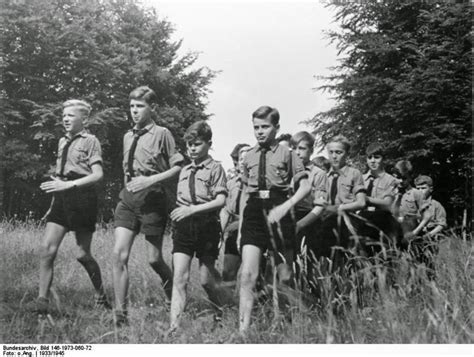 Hitler Youth Biography | vintage everyday old photos of hitler youth s life in the
