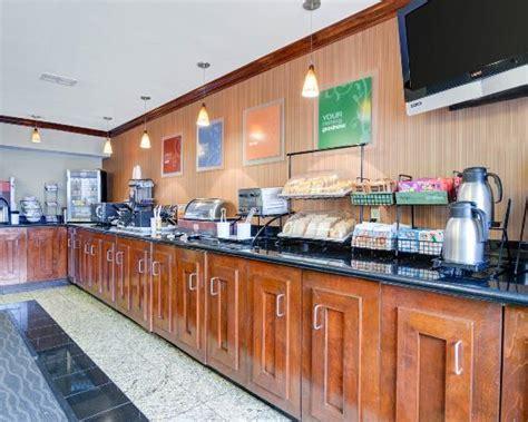 comfort inn and suites sterling va comfort inn suites airport dulles gateway sterling va