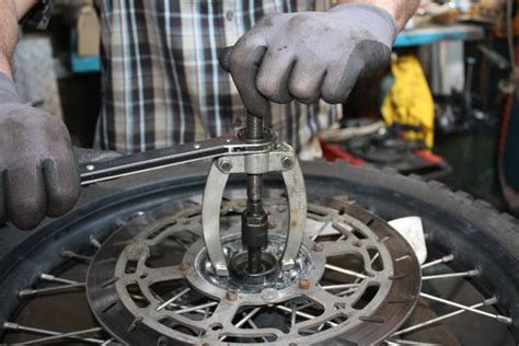 Motorrad Felgen Lager Ausbauen by Radlager Wechseln Beim Motorrad Yamaha Motorrad Bild Idee
