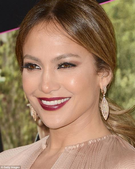 what lipstick and gloss does jennifer lopez wear what color of lipstick does jennifer lopez wear what does