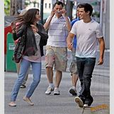 Selena Gomez And Taylor Lautner Kissing   368 x 400 jpeg 55kB
