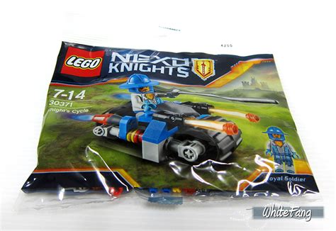 Lego Nexo Knights 30371 Knights Cycle Set Soldier Polybag review 30371 s cycle lego and adventure