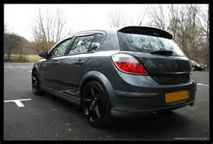 Vauxhall Astra Rims Nimraynn Co Uk Astra Black Wheels In The Daylight