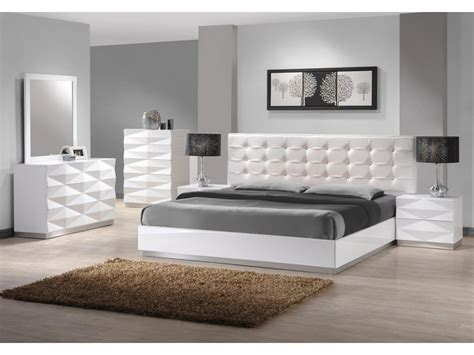 white leather bedroom furniture decor ideas