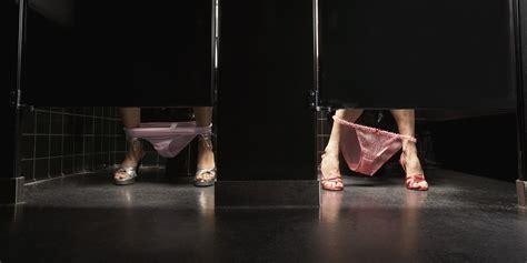 bathroom stall feet 6 things transgender people do in bathrooms huffpost