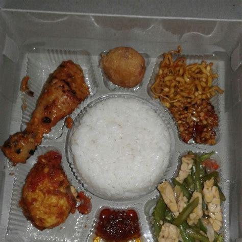 Paket Mix Kacang Bali nasi kotak menu ayam bakar telor balado bergedel
