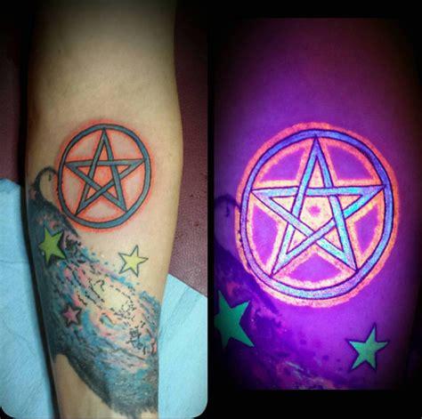 henna tattoo farbe schwarz farbe schwarz die besten 25 schwarz wei tattoos