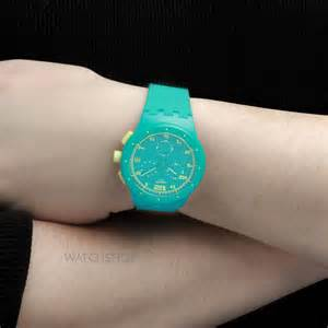 Swatch Chrono Plastik Susl400 s swatch acid drop chronograph susl400