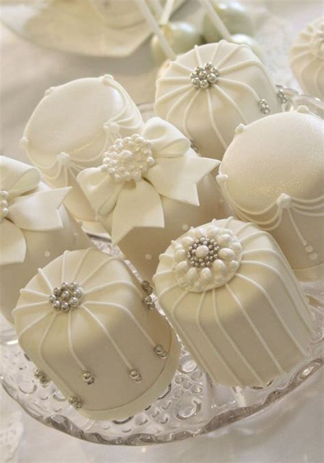 Mini Wedding Cakes by Cake Mini White Cakes 2730921 Weddbook