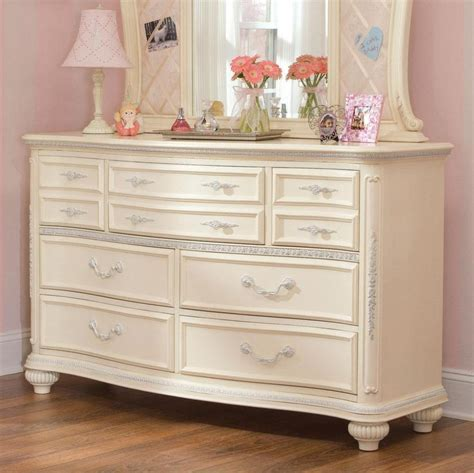 White Bedroom Dressers Antique White Dresser Bedroom Furniture Roselawnlutheran