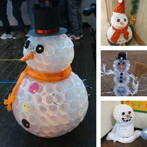 pupazzi di neve con bicchieri di plastica 30 idee di addobbi natalizi fai da te ispirando