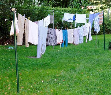 wäsche im wohnzimmer trocknen was ist schonender f 252 r die w 228 sche in der waschmaschine