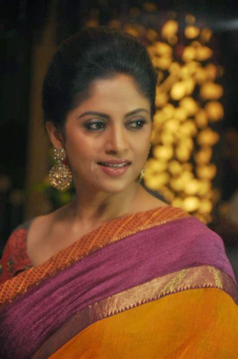 telugu actress old images telugu actress nadhiya latest saree photos picx