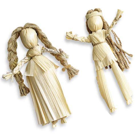 corn husk doll craft at second celebrating thanksgiving