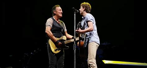 bruce springsteen verified fan bruce springsteen invites young fan on stage for brisbane