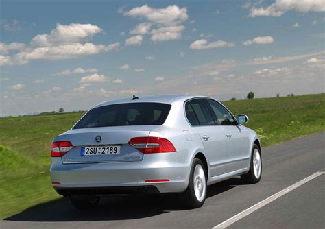 2014 skoda superb review specs price mpg pictures